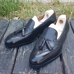 SAINT CRISPIN'S — Mod. 643 - Tassel loafers on Classic last in black...