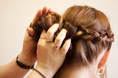 5 Protective Hair Styling Tips to Eliminate Hair Shedding. 1. Braid Your Hair. 2. Twist It. 3. High Bun. 4. Low Bun. 5. Build a low manipulation hair routine. Read these killer Hair Styling tips in detail >> http://bit.ly/1D1ZqrR #hairstyling #onychairguide #hairstyle #haircare