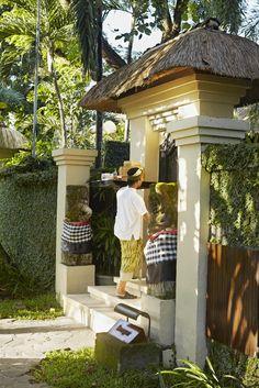 the gangsa angkul - angkul #Sanur #PrivateVilla www.thegangsa.com House Gate Design, Villa Design, Entrance Gates, House Entrance, Bali Decor, Balinese Garden, Bali House, Bamboo Architecture, House In Nature