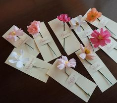 Lovely flowers for lovely ladies. How To Wrap Flowers, Diy Flowers, Creative Gift Wrapping, Creative Gifts, Crepe Paper Flowers, Fabric Flowers, Flower Packaging, Mothers Day Crafts, Flower Cards