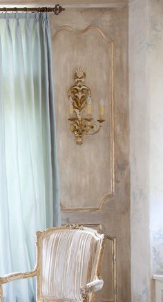 Interior Design Julie Dodsen, photography Julie Soefer, image via Cote De Texas
