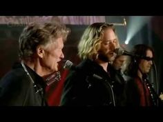 Who knew Russell Crowe sing? Kris Kristofferson & Russel Crowe (Live)