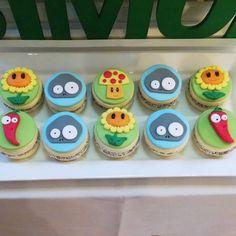 Alfajores! Plantas Vs Zombies de Ruphas Plants Vs Zombies, Zombies Vs, Zombie Birthday Parties, Zombie Party, 4th Birthday, Birthday Cake, Zombie Cookies, Zombie Cupcakes, Cupcake Party