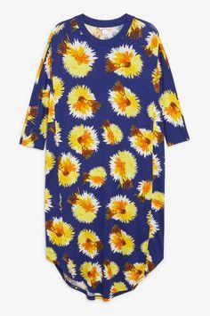 Oversized dress - Print perfection - Dresses - Monki DK