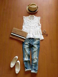 #デニム #シンプル #麦わら帽子 #夏 #クラッチバッグ #フリルブラウス #バレエシューズ #white #カジュアル