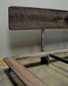 Artículos similares a Kanso cama king size en Etsy Steel Furniture, Bed Furniture, Furniture Design, Wood Bed Design, Bed Frame Design, Platform Bed Designs, Wood Platform Bed, Camas King, Bedding Inspiration