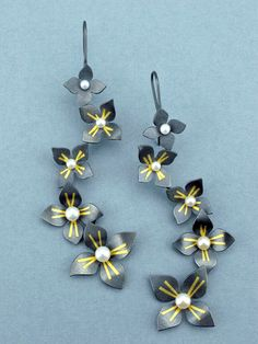 Carolina Andersson, 96 Dogwood Cluster Earrings, Sterling silver, 24k gold, freshwater pearls