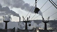 Сдерживание потепления ударит по российскому ВВП // Над экономикой РФ нависли углеродные угрозы  Полное выполнение цели Парижского соглашения по сдерживанию прироста глобальной температуры двумя градусами от уровня доиндустриальной эпохи грозит российской экономике существенными потерями из-за резкого падения спроса на ископаемое топливо. Таков один из сценариев сокращения странами выбросов парниковых газов, представленных в новом исследовании E3-Modelling. Эксперты полагают, что для…