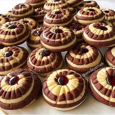 Image may contain: food Salt Cookies Recipe, Cookie Recipes, Snack Recipes, Dessert Recipes, Snacks, Cookie Bowls, Food Garnishes, Turkish Recipes, Mini Cakes