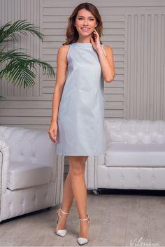 Стильна сукня з відкритими плечами просторого силуету • колір: ніжно-сірий • інтернет магазин • vilenna.ua