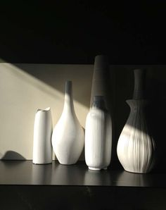 Alle Hoeken van de Kamer Breeze, Vase, Black And White, Design, Home Decor, Decoration Home, Black N White, Room Decor, Black White