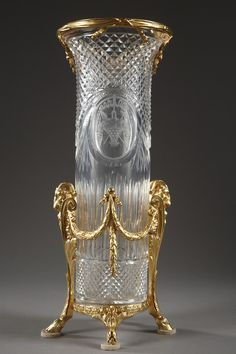 Cut and engraved crystal vase with ram heads, 1890 Crystal Glassware, Crystal Vase, Cut Glass, Glass Art, Vase Cristal, Bronze, Carnival Glass, Art Object, Antique Glass