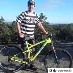 It's getting out there -> #Repost @pgrotnes33 Stort tack till @pedalenostfold #treknorge #dammyrbygg #newbikeday Tack till #dwbtoftshit för nya kläder #in4lifecollection #remedy98 #29ersarecool #allmountainstyle #troyleedesign #A1