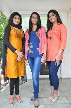 Oviya Photos - Rare photo of Oviya with Trisha and Poonam Bajwa Beautiful Girl Indian, Beautiful Indian Actress, Kerala Aunty, India People, Beauty Hacks, Beauty Tips, South Indian Actress, India Beauty, Rare Photos