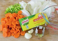 pollo-arvejado Chilean Recipes, Chilean Food, Comida Latina, Garlic Bread, Stew, Cantaloupe, Carrots, The Cure, Chicken