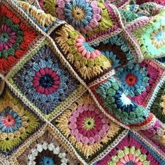 Crochet Sunburst Granny Square.