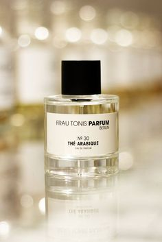 30 THÉ ARABIQUE smells of notes of black tea, ripe quince, dry Irish whiskey, gurjun balm, musk and vanilla. Irish Whiskey, The Balm, Vanilla, Perfume Bottles, Fragrance, Blog, Exotic, Plays, Sweet