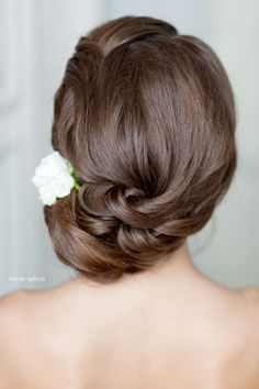 Long Wedding Hairstyles and Bridal Updo Hairstyles for Long Hair from elstile-spb 22