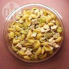 Salada de macarrão com frango e uva @ allrecipes.com.br