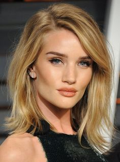 19 Times We Desperately Wanted Rosie Huntington-Whiteley's Perfect Hair Oblong Face Hairstyles, Bob Hairstyles For Fine Hair, Hairstyle Men, Formal Hairstyles, Men's Hairstyles, Wedding Hairstyles, Latest Hairstyles, Rosie Huntington Whiteley Haircut, Rosie Huntington Hair
