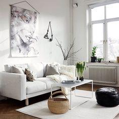 Ny styling ny kollega! Hälsar Hanna Ahlin @hannasinspo välkommen till greydeco. Till salu Nordenskiöldsgatan. @stadshem fantastisk målning av @vagnelind