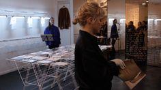 """""""Le Pressing de la Presse"""" pop-up store et performance @Tom Greyhound Paris, magazines curatés par KD Presse, conception et réalisation Holy Of Holies"""
