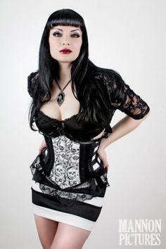 dark and sexy, perfect! <3SJJ<3