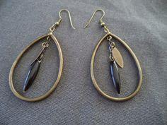Boucles d'oreilles goutte bronze sequins émaillé noir goutte