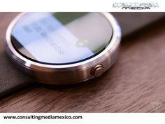 LA MEJOR AGENCIA DIGITAL. Motorola sorprende con su nuevo Moto 360. La marca decidió mejorar su imagen renovando su aspecto estético y haciendo más pequeña la pantalla. El modelo Sport, cuenta con GPS además de un watchface con accesos directos a otras aplicaciones. #redessociales