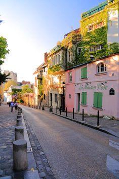 La Maison Rose, Montmartre, Paris, France