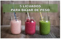 Three delicious and super-healthy smoothie recipes, fruity and full of energy. (in German) Smoothie Detox, Smoothie Drinks, Fruit Smoothies, Detox Drinks, Healthy Smoothies, Smoothie Recipes, Strawberry Smoothie, Smoothie Ingredients, Breakfast Smoothies