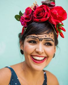 Fantasias Carnaval 2019 Ideias com Conjuntinhos Purim Costumes, Mardi Gras Costumes, Carnival Costumes, Creative Halloween Costumes, Couple Costumes, Halloween Party, Frida Kahlo Makeup, Make Carnaval, Carnival Inspiration