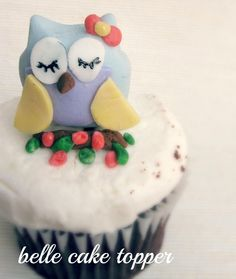 Tutorial on creating your own fondant cupcake toppers.  I want to try these for my Alice in Wonderland Baby Shower.