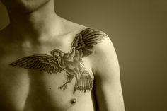 Raven Shoulder Tattoo | Raven Tattoos – Designs and Ideas