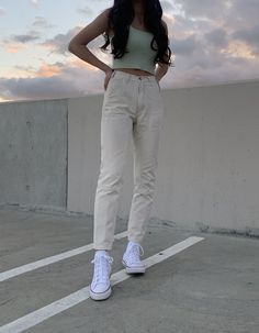 Cream cargos with cropped and ribbed green brandy melville top with high top white converse and layered gold necklaces Aesthetic Fashion, Aesthetic Clothes, Look Fashion, Korean Fashion, Fashion Outfits, 80s Fashion, Fashion Tips, French Fashion, Fashion Online