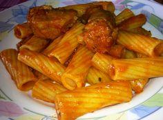 Rigatoni+al+ragù+di+Maiale+primo+piatto+invernale+economico