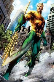 Aquaman rey de los 7 mares poderes control del agua y telepatía com las criaturas y enemigo familiar manta raya su hermano