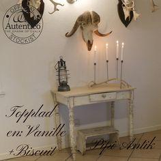 Patineret bord med topplade i Vanille og Biscuit til slidt look