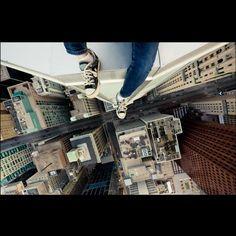 Roof topping, el arte de fotografías desde lo alto de los edificios