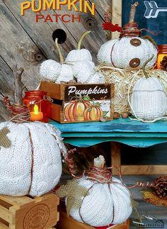 Easing Into Fall - Remodelando la Casa Pumpkin Uses, Diy Pumpkin, Cute Pumpkin, Little Pumpkin, Biggest Pumpkin, Pumpkin Display, Sweater Pumpkins, Creative Pumpkins, Beautiful Dining Rooms