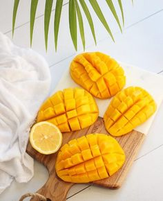 Fun fact: More fresh mangoes are eaten around the world every day than any other fruit. Carb Cycling Diet, Mango Fruit, Fruit Decorations, Fruit Photography, Tropical Fruits, Aesthetic Food, Vegan Dishes, Mellow Yellow, My Favorite Food