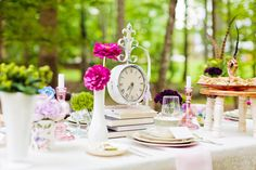 alice in wonderland tea party wedding inspiration tablescape with clock 550x366 Inspiration: Wonderland Tea Party