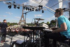 TO DO! Les Jam sessions au fil des quartiers parisiens  Vous serez d'accord, la fête de la musique à Paris, c'est un souvent quitte ou double. Pour ne pas transformer le premier jour de l'été en calvaire, pas mal de gens préfèrent rester chez eux plutôt que de tenter l'aventure. Chez Appart ... http://www.appartonaute.com/fete-musique-paris/ - #Chasseur_Dappartement, #Paris, #TO_DO
