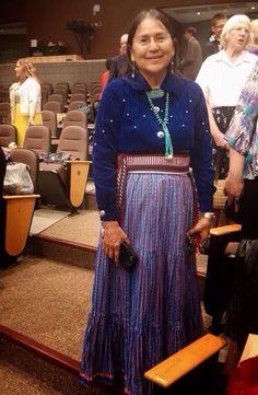 La primera Asamblea Navajo celebrada en Holbrook,Arizona este fin de semana pasado.asistencia fue de 1033.Jw Broadcasting estaba presente para registrar el programa y entrevistar a muchos.