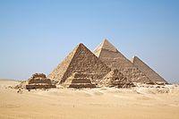 """""""Pirâmide de Gizé"""". Uma das 7 Maravilhas do Mundo Antigo. Cairo, Egito."""