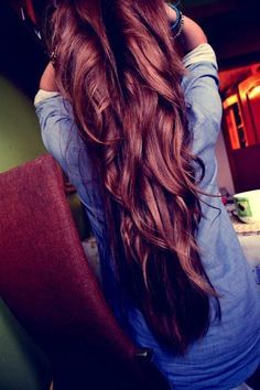 lovely long hair, mine is growing slowly but surely. I can't wait for it to get really long. Love the color too!!