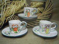 ceramica come mestiere: I gufi di ceramica come mestiere come decorazione per 6 tazzine da caffè con piattino.