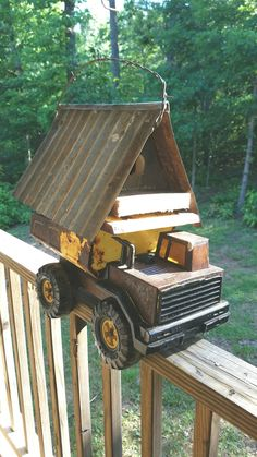 Bird House Kits Make Great Bird Houses Bird House Plans, Bird House Kits, Bird Cages, Bird Feeders, Wood Crafts, Diy Crafts, Craft Projects, Projects To Try, Birdhouse Designs