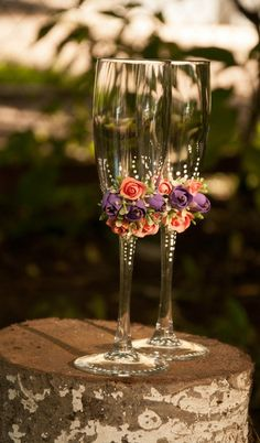 Lovely Roses arrangement Wedding glasses
