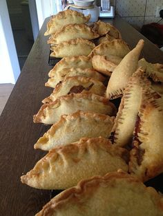 A basic and easy recipe for homemade pasties. These are happily eaten by my kids cold in their lunch box too! Pastry Recipes, Cooking Recipes, Pastry Dishes, Bread Recipes, Empanadas, Pasty Shop, Savory Pastry, Savoury Pies, Cornish Pasties